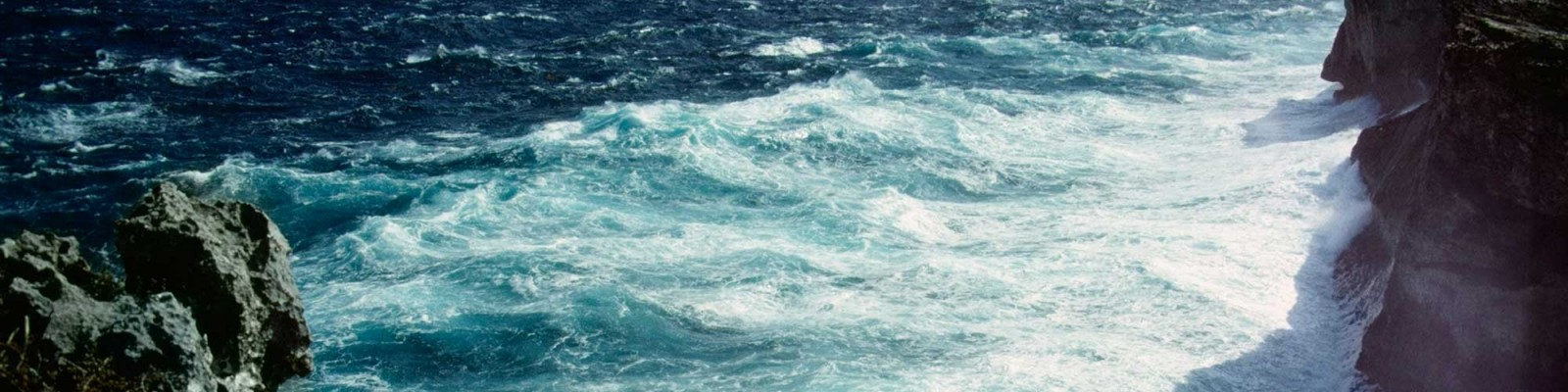 Tenrag Yacht Charter: The Bahamas