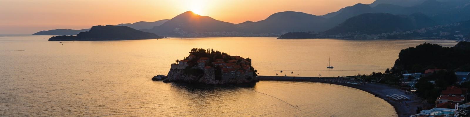 Tenrag Yacht Charter: Montenegro Bay