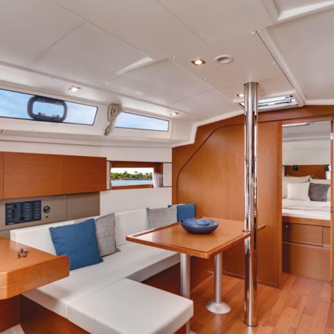 Tenrag Yacht Charters - Oceanis 38